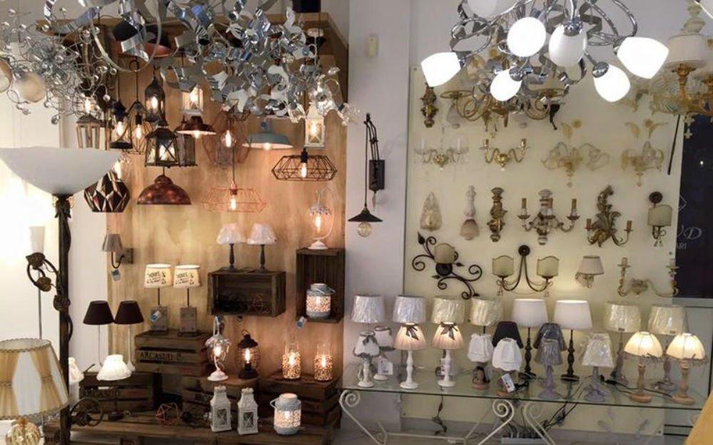 delle lampade e dei lampadari