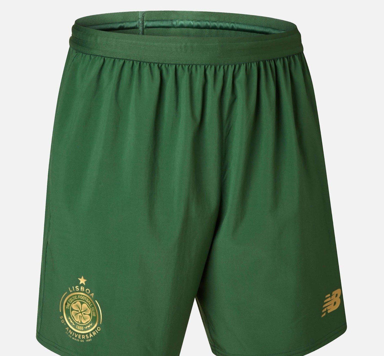 a8b35ae29bec6 ... Celtic FC presenta nuevo uniforme de futbol de visita. La camiseta de soccer  presenta franjas horizontales en dos tonalidades de verde así como todos ...