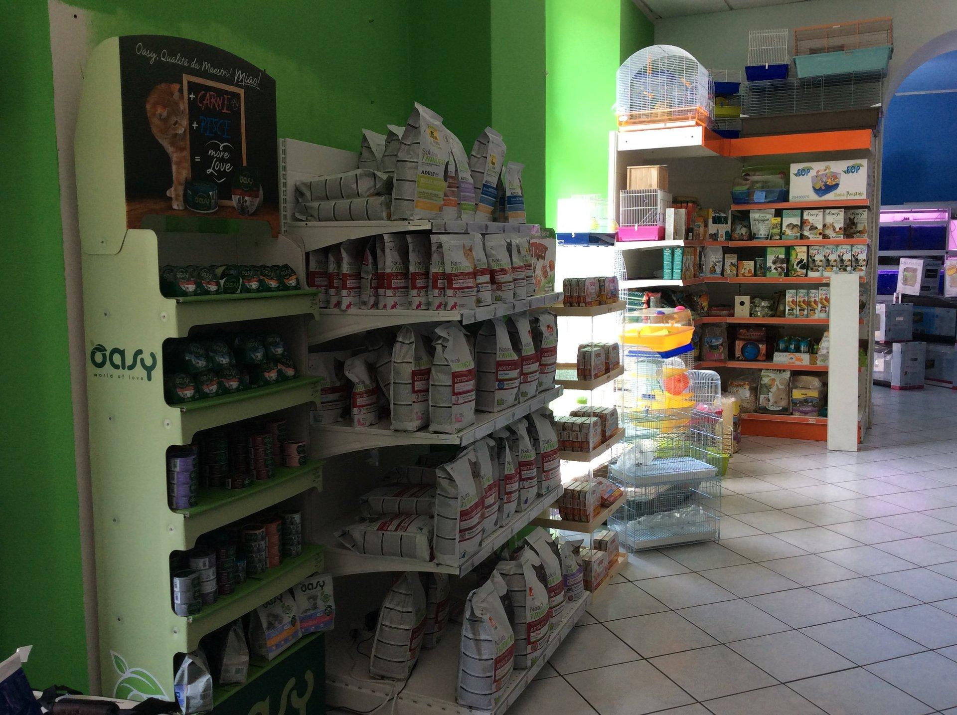 negozio di alimenti e accessori per animali domestici