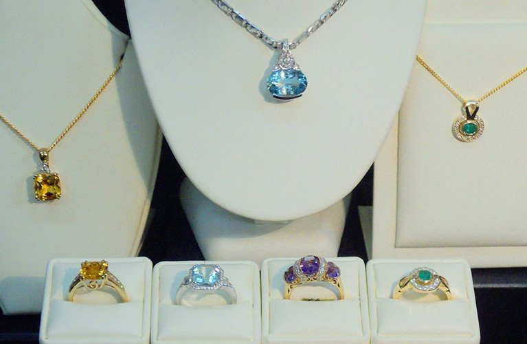 Ring and Chain Collections