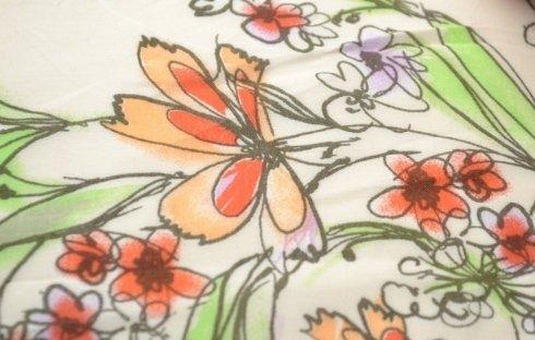 Viscosa stampata con motivi floreali
