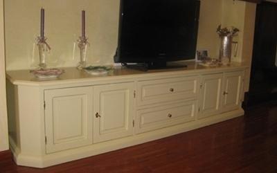 Mobile tv color avorio