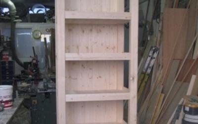 Scaffalatura in legno da verniciare