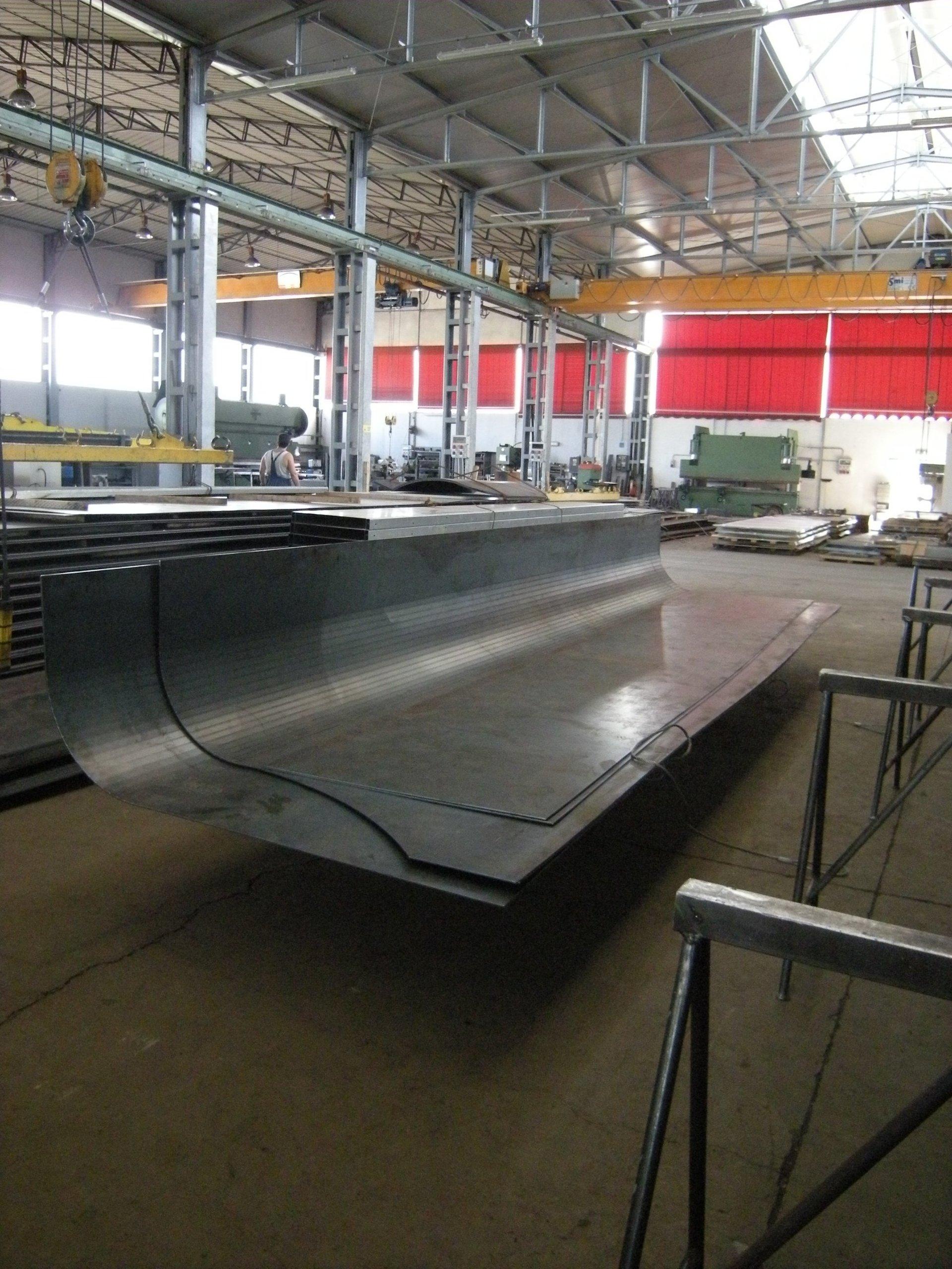 lavorazione di un foglio metallico