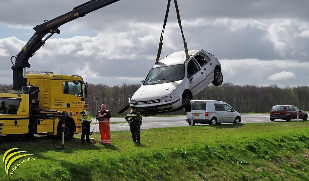 auto,sloot,A37,Geesbrug