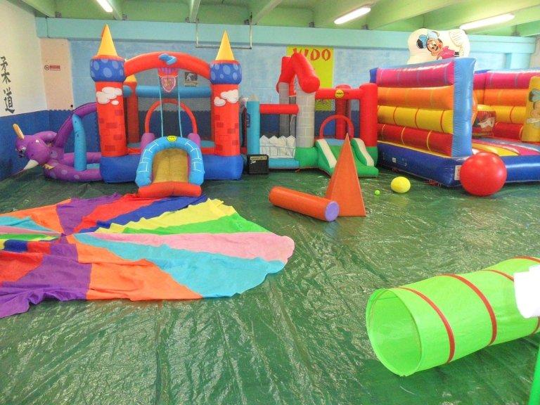 Centri estivi feste per bambini e ragazzi livorno for Mini gonfiabili per casa