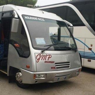 minibus 25 posti