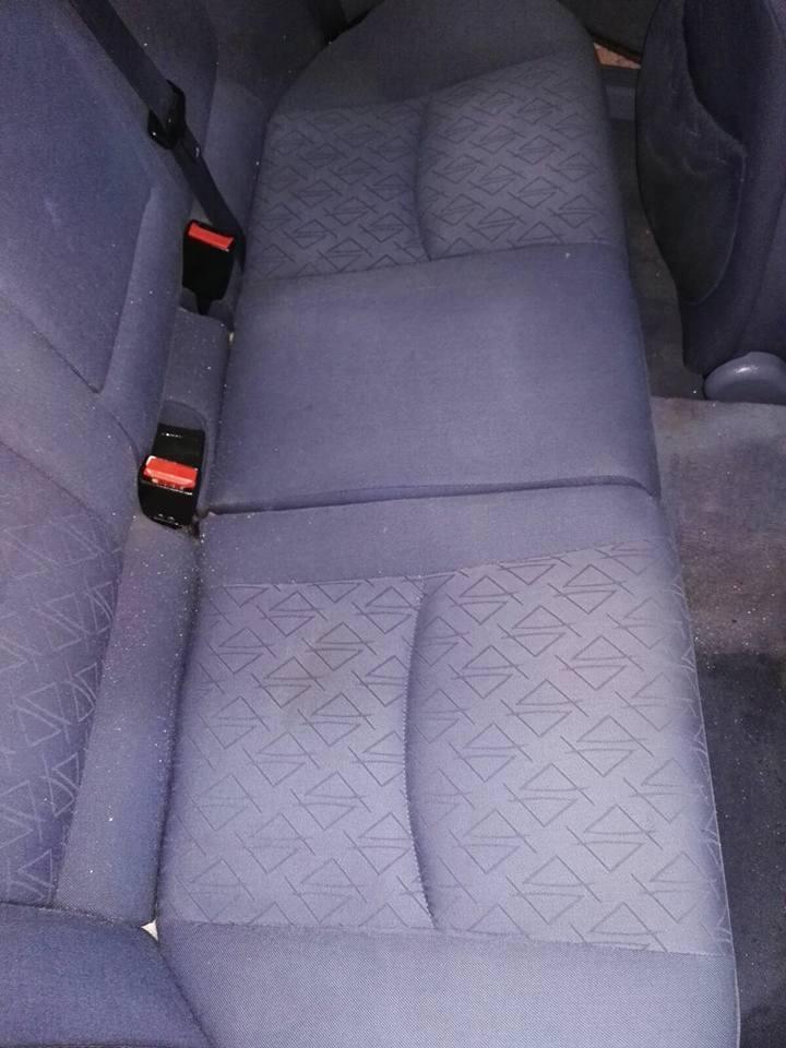 Dei sedili posteriori senza macchie