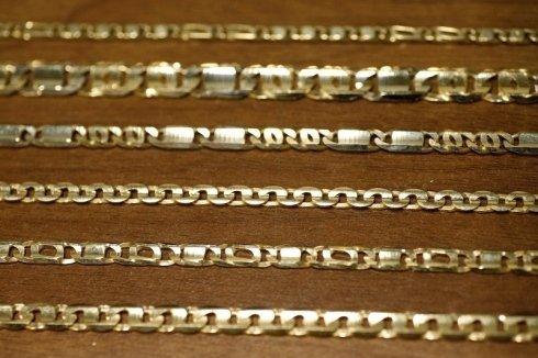 catene in oro e argento