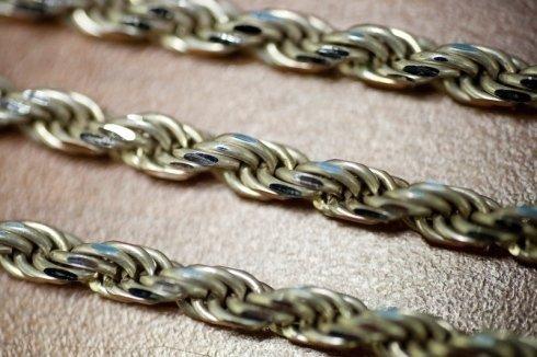 catene in metallo massiccio e tubolare