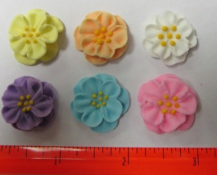 Dainty Bess Royal Icing Flower