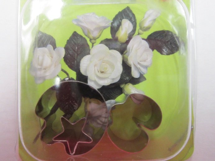 Fondant & Gumpaste Flower Cutters | Delicious Creations near Chicago in Hickory Hills, IL