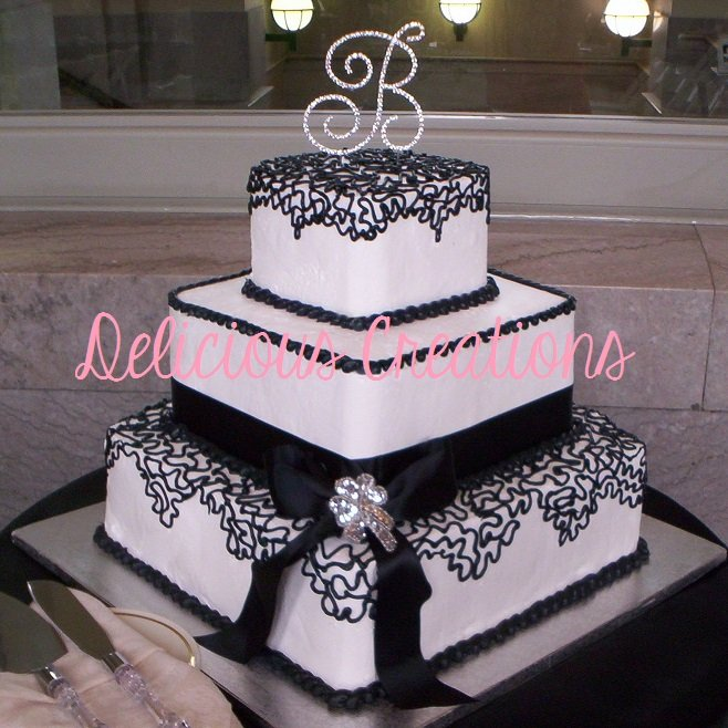 Black & White Wedding Cake | Delicious Creations near Chicago in Hickory Hills, IL