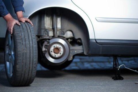 Cambio di pneumatici invernali