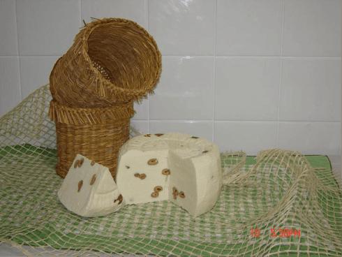 Olive Nocellara del Belice per un formaggio in cui si incontrano i gusti ed i sapori della nostra Sicilia.