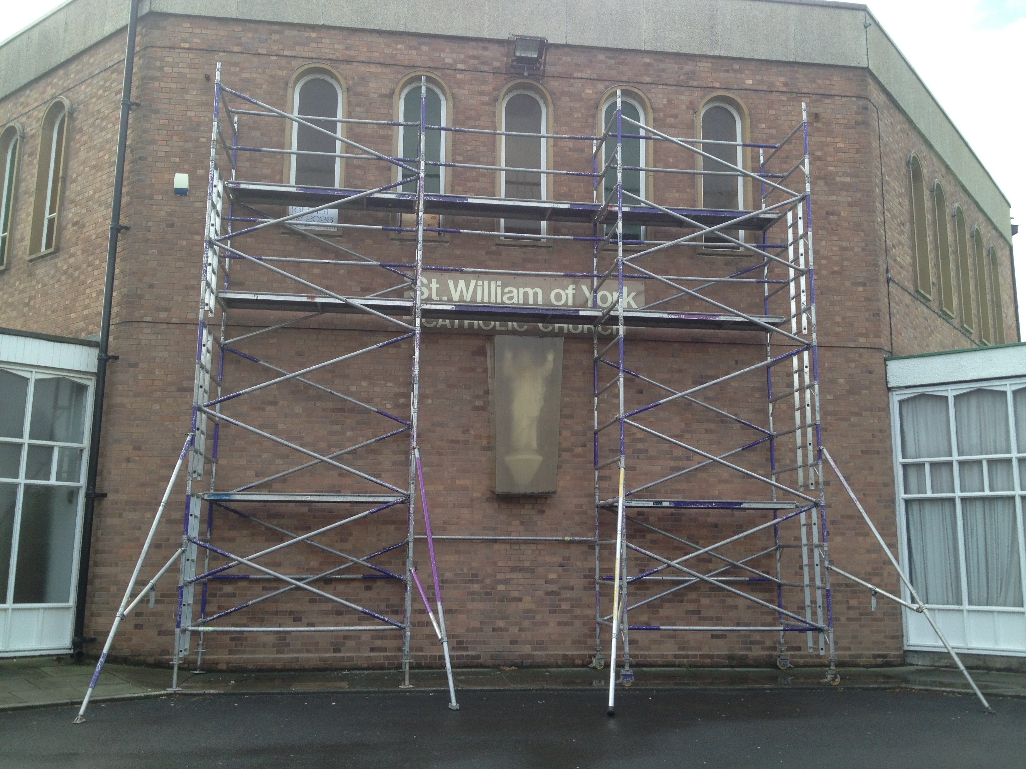 Scaffolding buildings