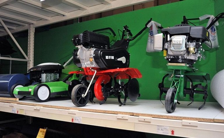 macchine a motore giardinaggio