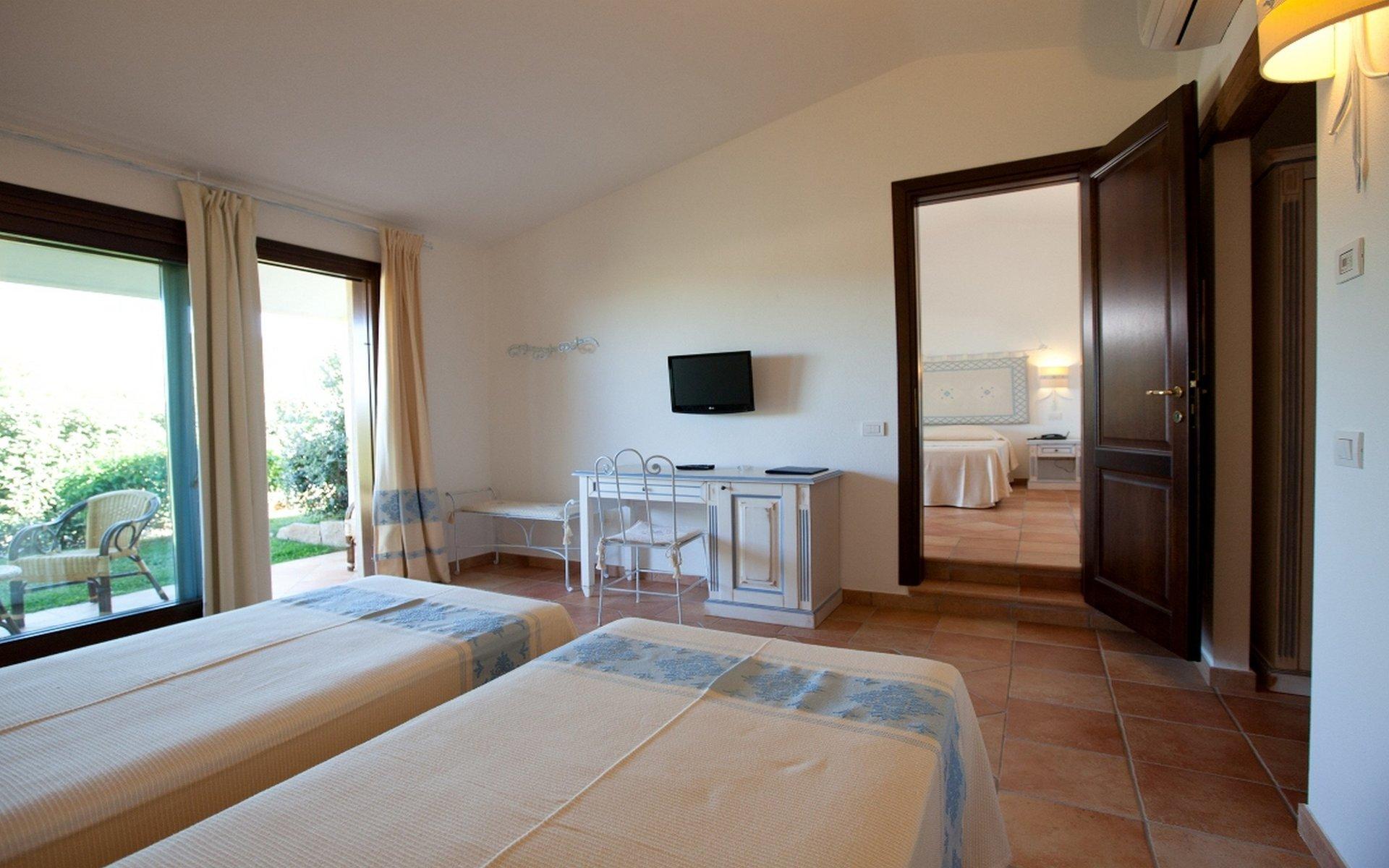 Vacanze sul mare san teodoro hotel costa caddu for San teodoro appartamenti sul mare