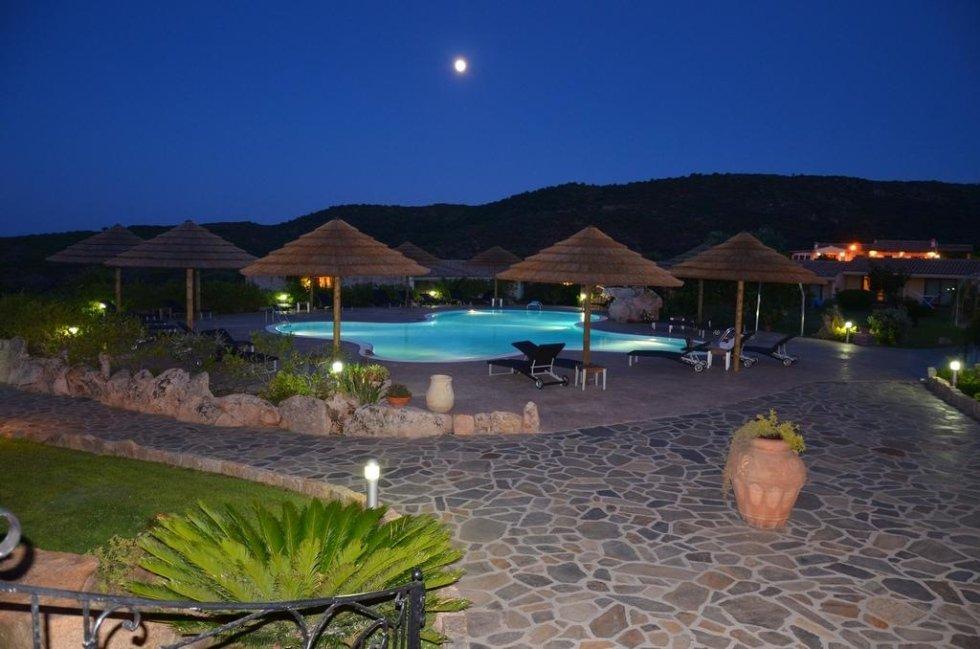 piscina albergo san teodoro