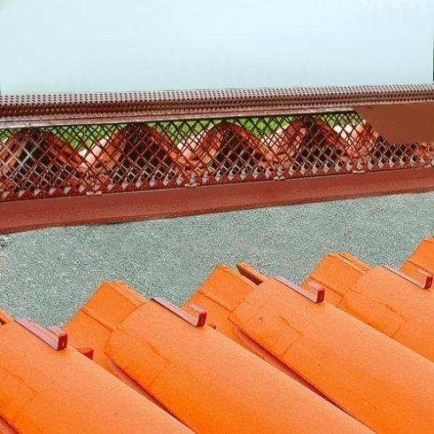 Dettaglio colmo tetto ventilato