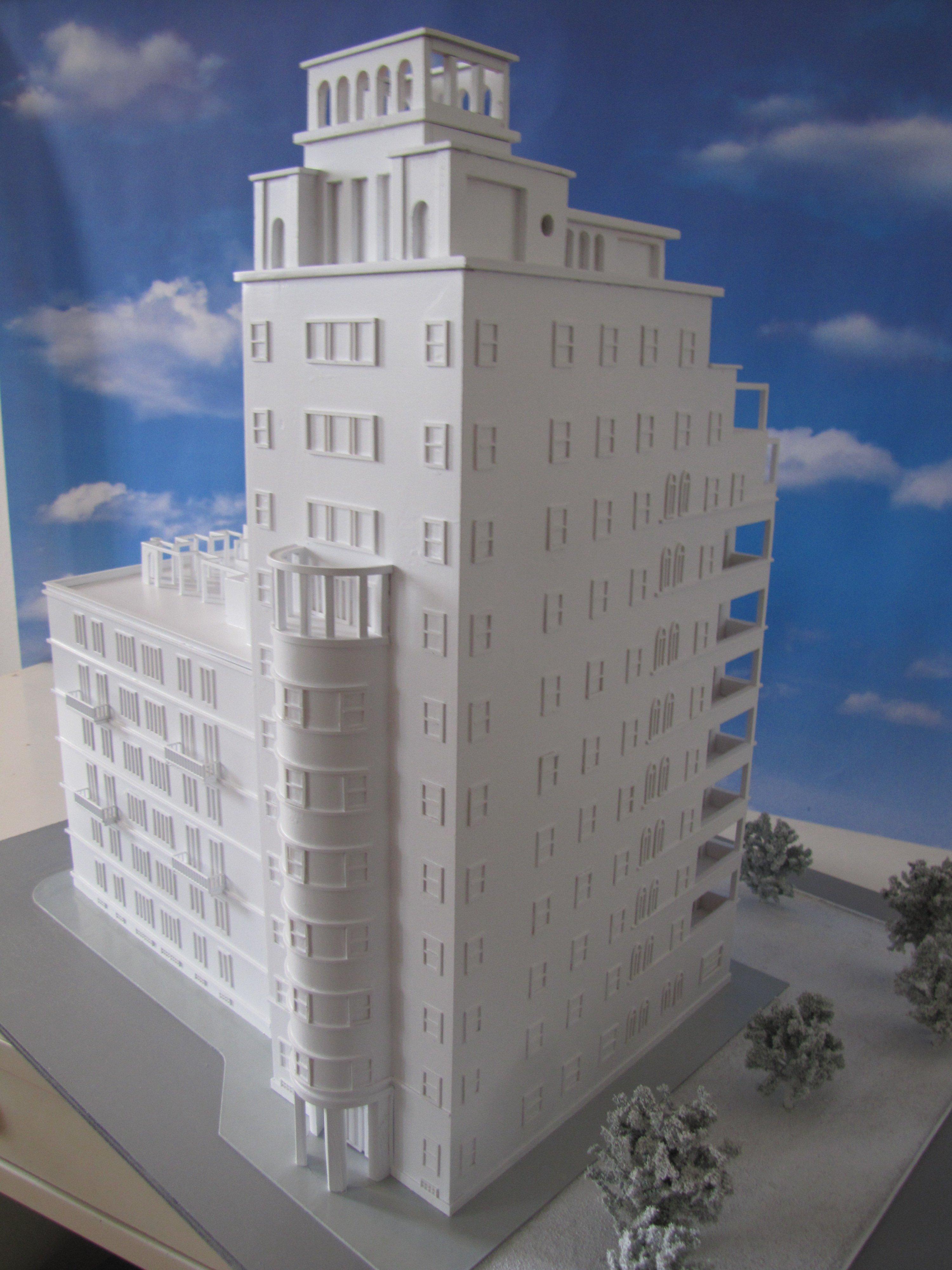 plastico palazzo bianco
