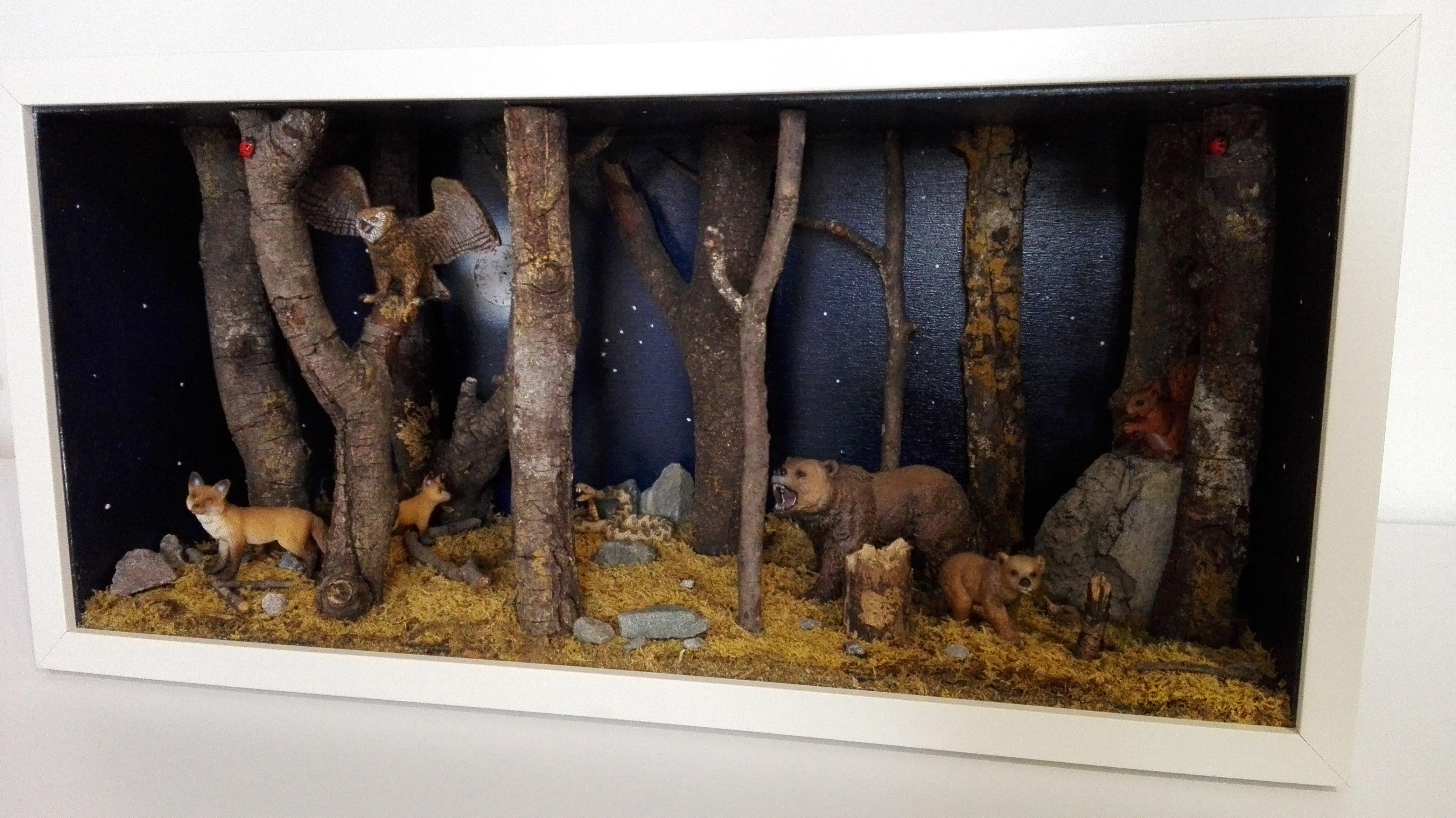 Diorama foresta con orsi