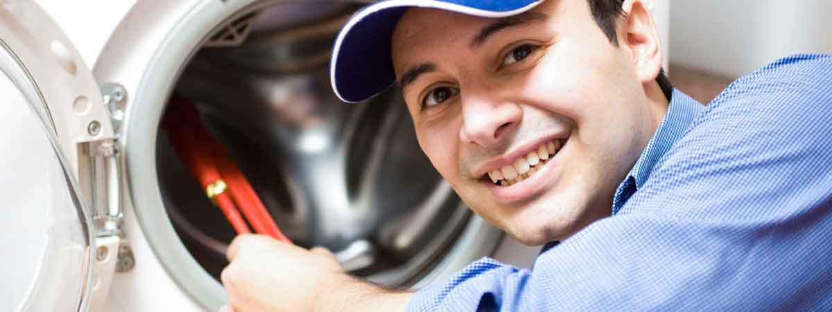 Man doing washing machine repairs in Geelong