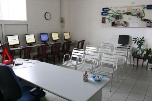 scrivania Autoscuola Futura Pisa