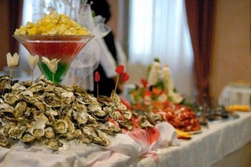 tavolata di frutti di mare