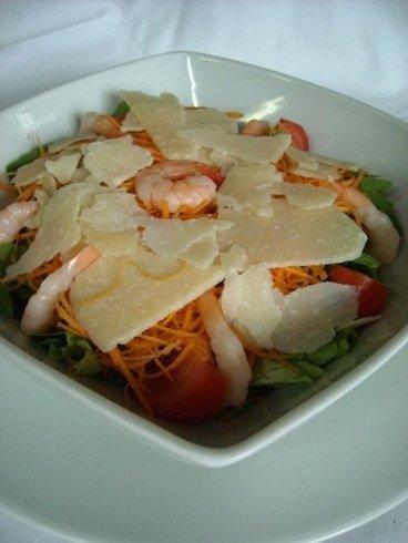 Insalata mista con parmigiano