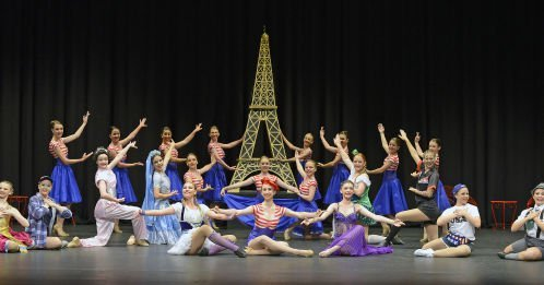 french stage dancers