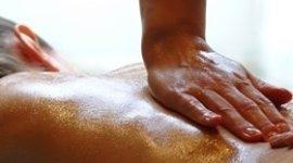 massaggi con olii essenziali