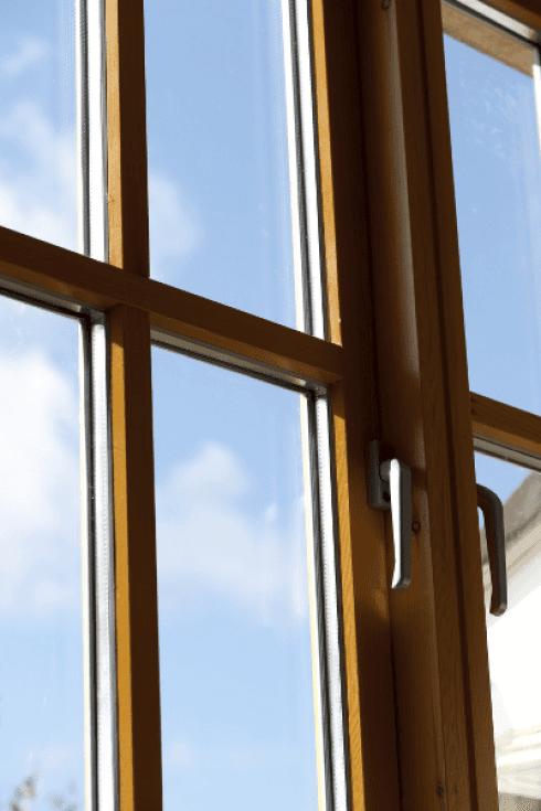 installazione finestre, montaggio infissi, installazione infissi