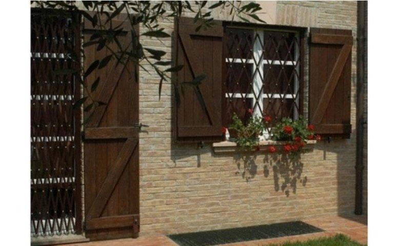Installazione inferriate e grate cervia ravenna sias infissi - Inferriate estensibili per finestre ...