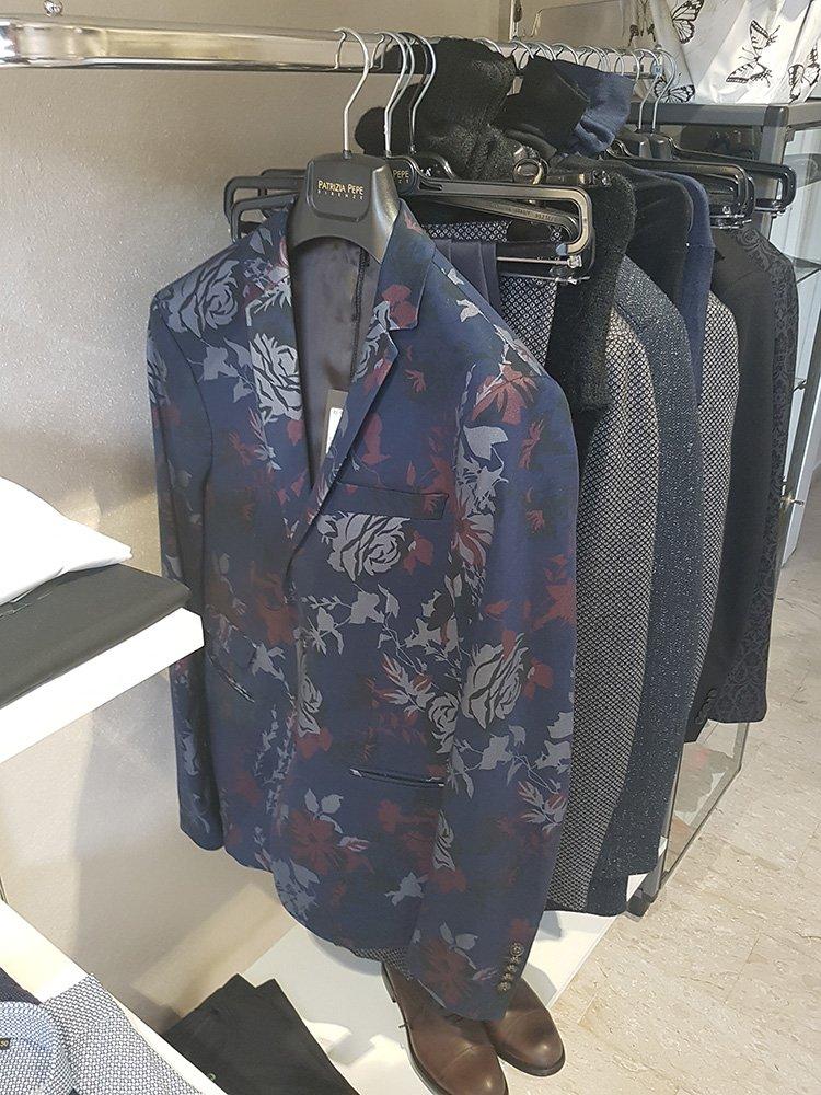 Montemurlo, qualità uomo . dettaglio abbigliamento