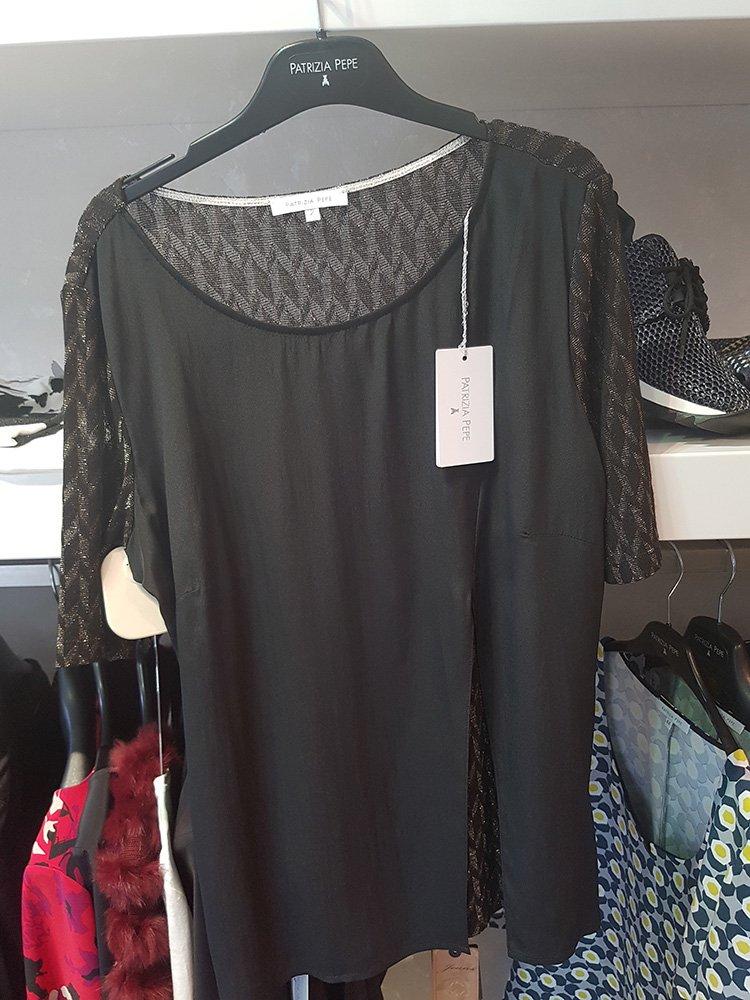 Montemurlo, abbigliamento donna . dettagli