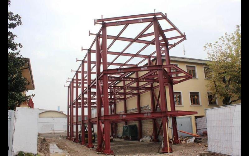 struttura in metallo per capannoni