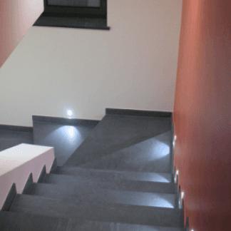 Scala interna illuminata