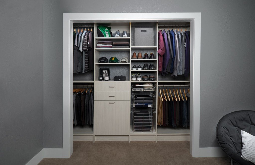 Affordable reach in closets design and installation for Closets by design dallas