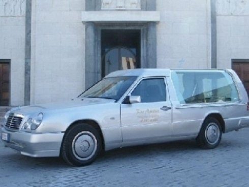 carro funebre mercedes