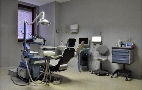 Sala attrezzata per cure dentali
