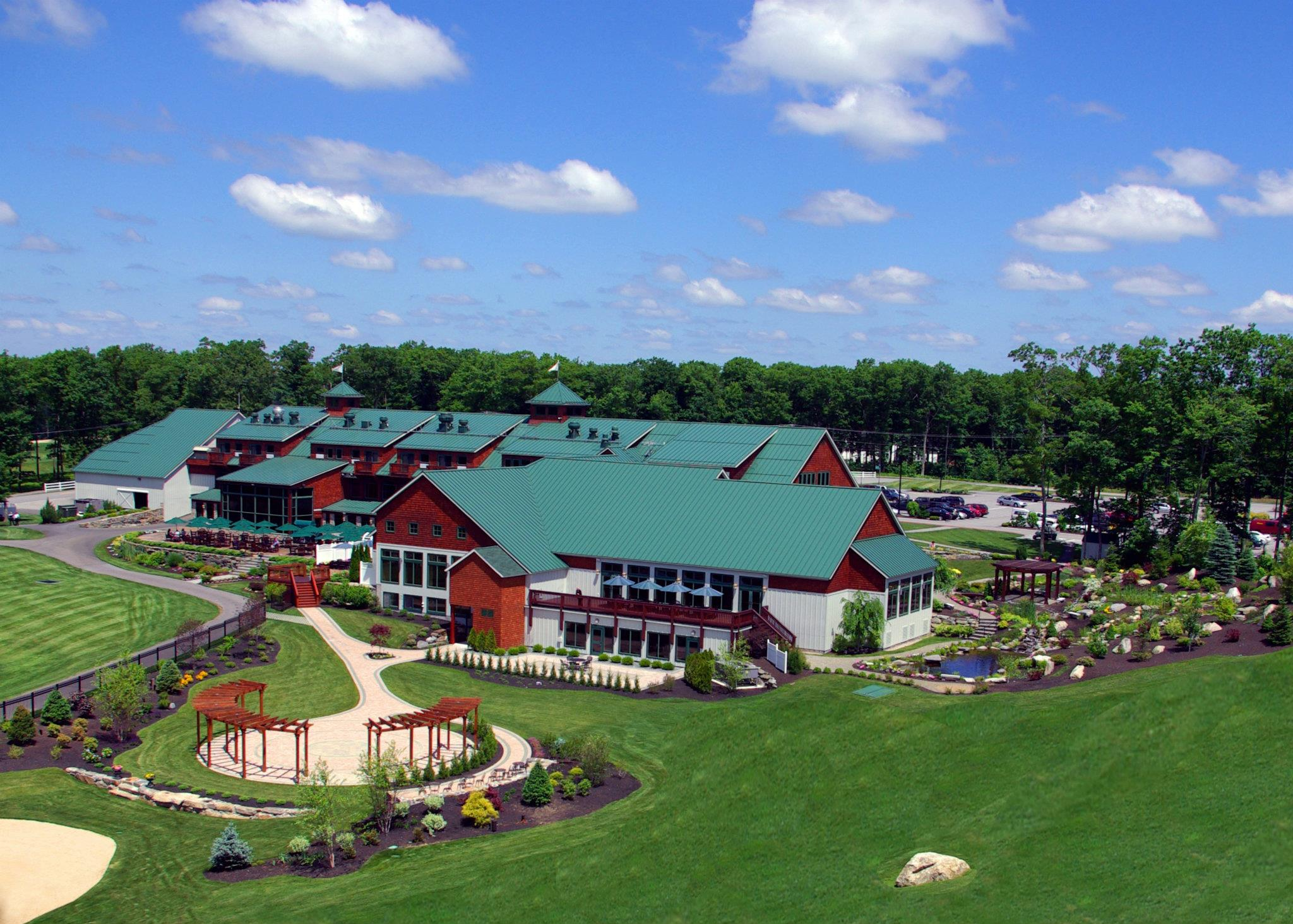 commercial building - Atkinson Resort & Country Club