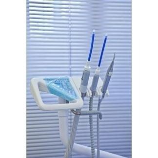 Eseguiamo il controllo periodico della data di sterilizzazione degli strumenti