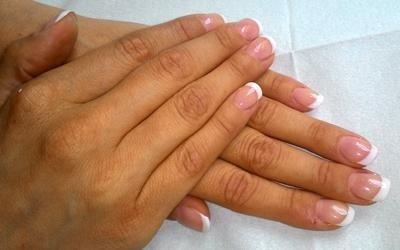 french manicure arrotondata