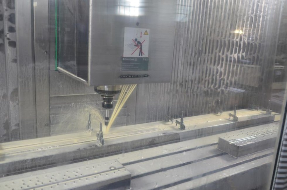 centro di lavoro CNC 2200 x 600
