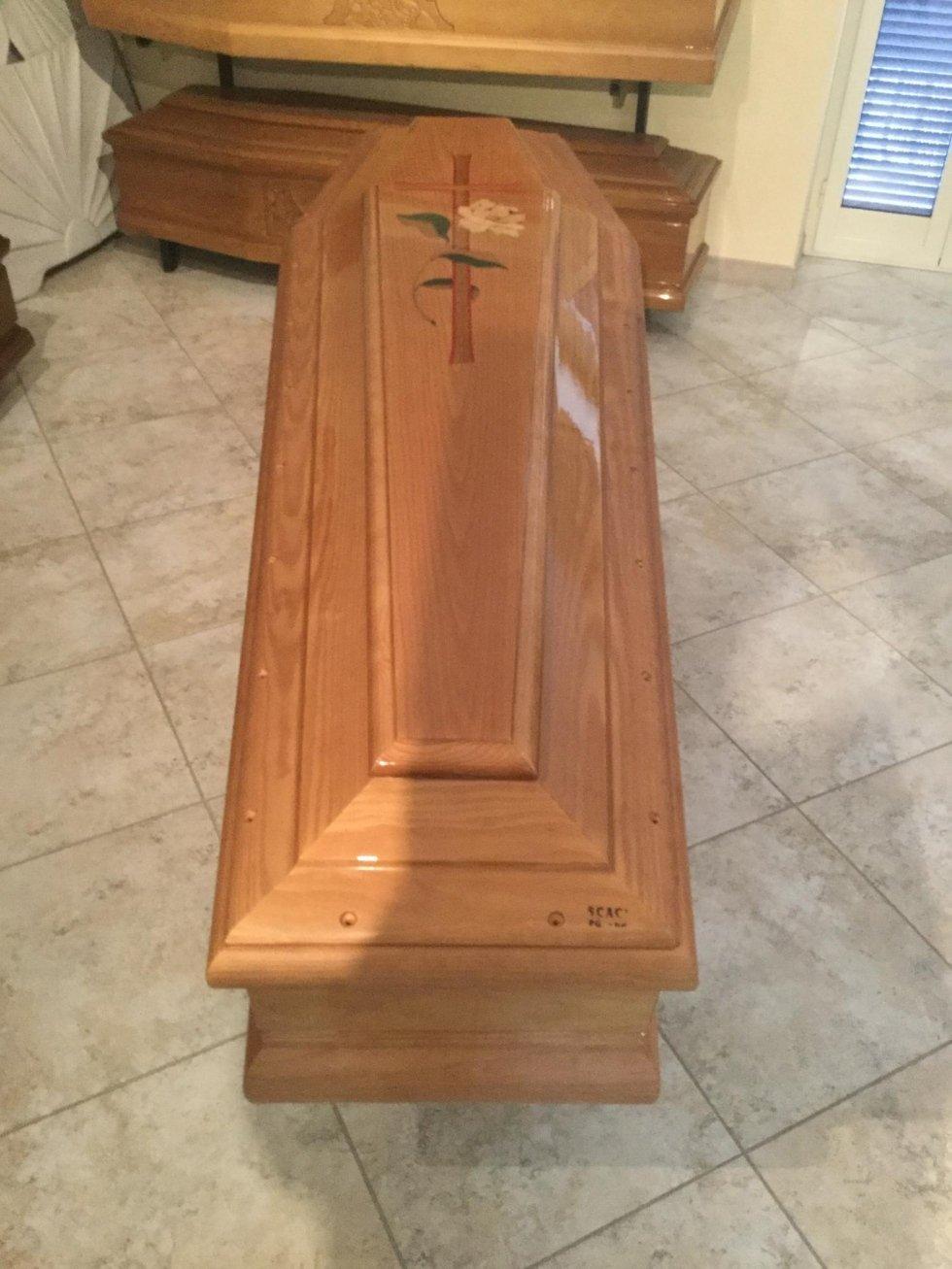 una cassa funebre