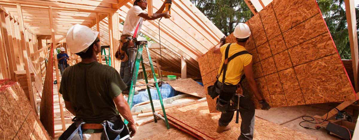 carpenters-builders-working