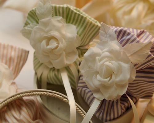 Sacchetti a righe con fiore
