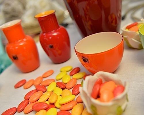 Vasi e ciotole in vetro colorato