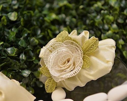 Bomboniera con fiore in stoffa